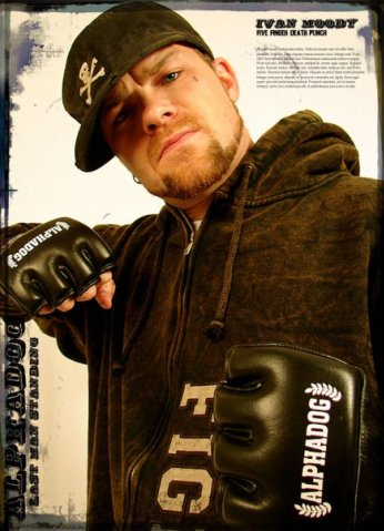 photograph-Five-Finger-Death-Punch-gryppa-magazine-hammer-metal-2013