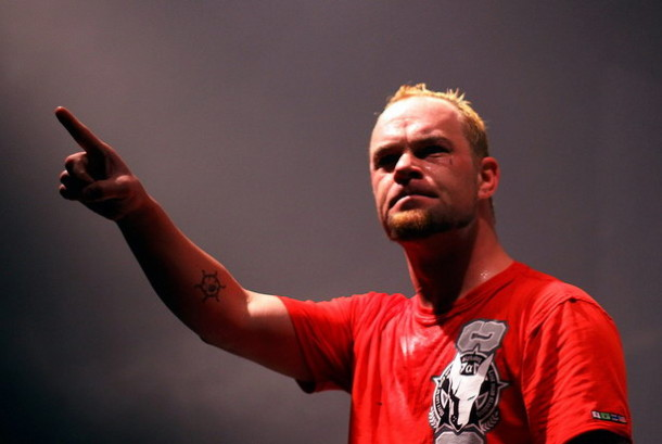 photograph-Ivan-Moody-leader-groove-metal-5FDP-ex-Ghost-Machine-2010