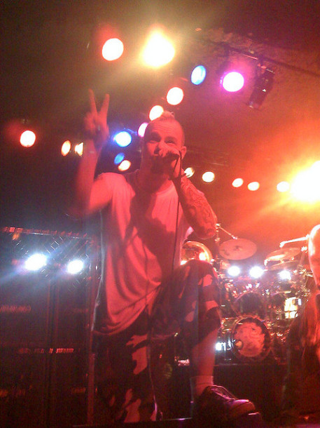 photos-Ivan-Moody-vocalist-groove-metal-5FDP-ex-Ghost-Machine-2008