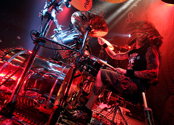 foto-Jeremy-Spencer-drums-FiveFingerDeathPunch-Hard-to-See-2013