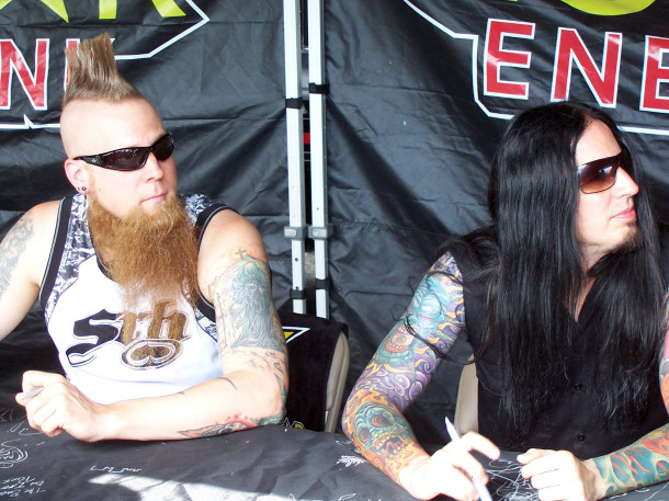 pictures-Jeremy-Spencer-udarnik-FiveFingerDeathPunch-Menace-2011