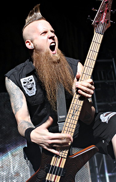 photo-Matt-Snell-bassist-ex-FiveFingerDeathPunch-Dying-Breed-2010