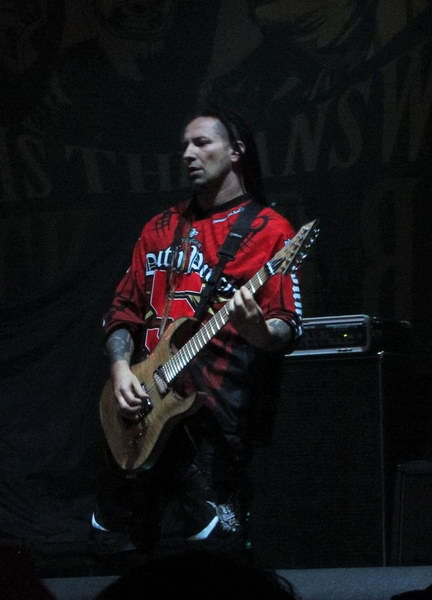 fotografii-Zoltan-Bathory-Shredder-nu-metal-FFDP-BC-Rich-2008