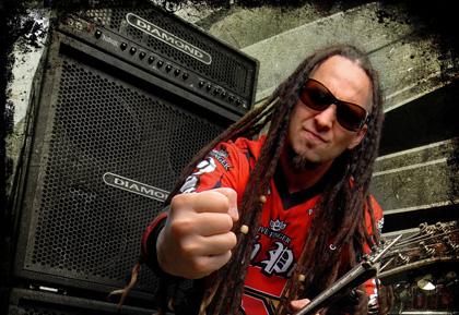 photo-Zoltan-Bathory-guitar-Five-Finger-Death-Punch-B-C-Rich-2009