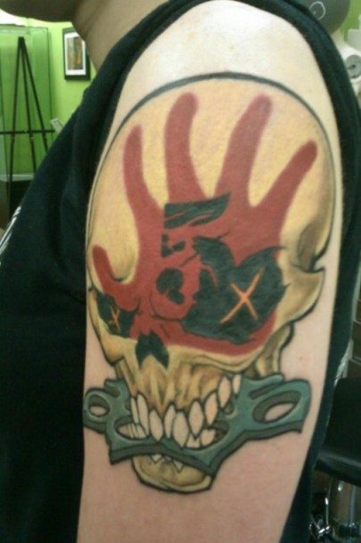 photo-FiveFingerDeathPunch-heavy-metal-band-fan-tattoes-2012