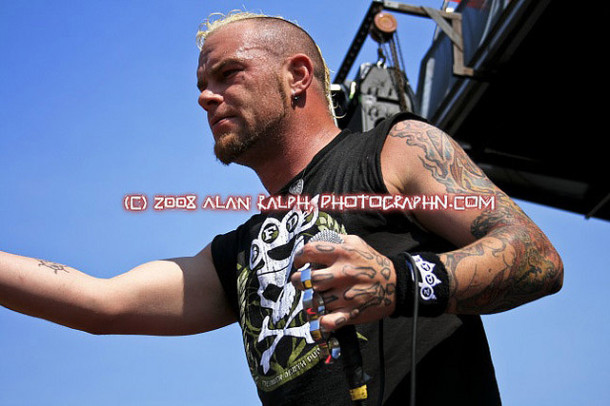 picture-FiveFingerDeathPunch-concert-Matt-Snell-band-2008-metal