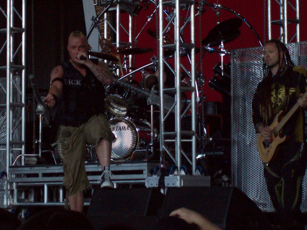 foto-band-Five-Finger-Death-Punch-Jeremy-Spencer-Hammerfest-2010