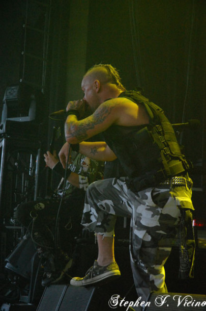 photos-band-FiveFingerDeathPunch-Zoltan-Bathory-Fox-Theatre-2010-rock