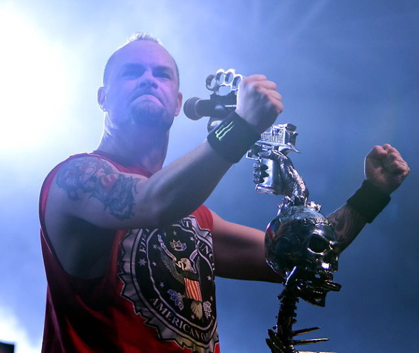 fotografii-band-Five-Finger-Death-Punch-Chris-Kael-Mayhem Fest-2011