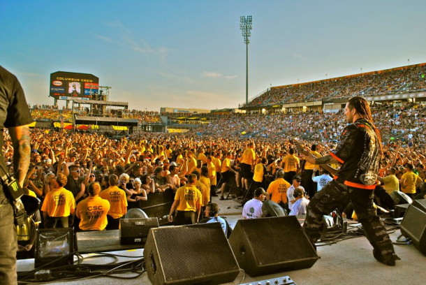 photo-Zoltan-Bathory-Five-Finger-Death-Punch-The-Pride-concerts-2012