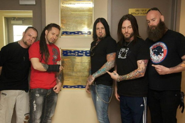 photos-Zoltan-Bathory-Five-Finger-Death-Punch-New-Dawn-soldiers