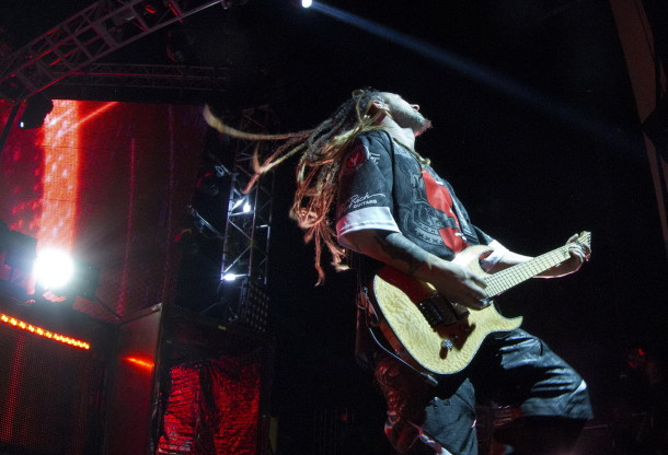 picture-Jason-Hook-FiveFingerDeathPunch-Never-Enough-USA-tour-2012