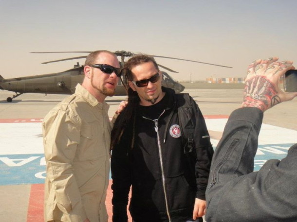 picture-Jeremy-Spencer-FiveFingerDeathPunch-concert-in-Kuwait-2012