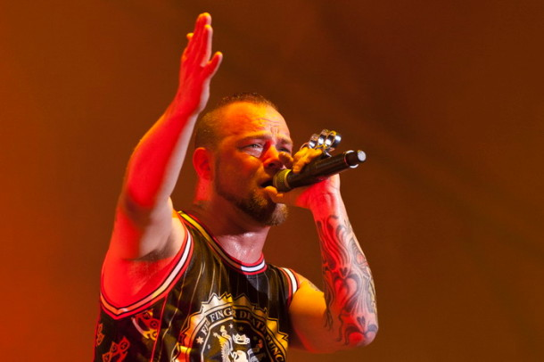 pictures-Jeremy-FiveFingerDeathPunch-Pittsburgh-Rock-on-the-range-2012