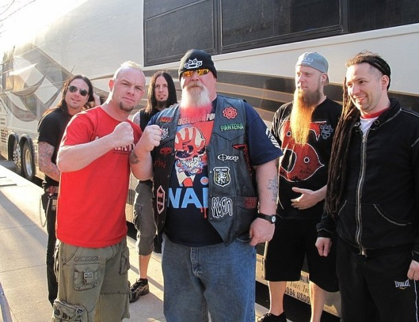 fotografii-Five-Finger-Death-Punch-group-Ivan-Moody-personal-life-2008