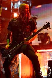 photo-Chris-Kael-bass-Five-Finger-Death-Punch-The-Pride-2011
