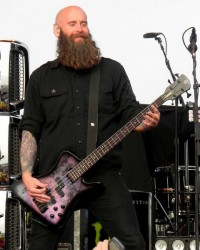 photo-Chris-Kael-new-bassist-Five-Finger-Death-Punch-Coming-Down-2011