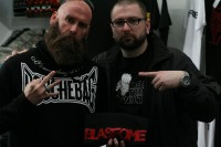 photos-Chris-Kael-bass-guitar-FiveFingerDeathPunch-Menace-2011