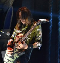 photos-Jason-Hook-guitar-5FDP-ex-Vince-Neil-Gibson-Explorer-2011