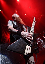 picture-Matt-Snell-bass-ex-Five-Finger-Death-Punch-Burn-It-Down-2010