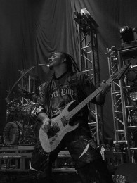photos-Zoltan-Bathory-guitar-nu-metal-FFDP-Diamond-Amplifiers-2011