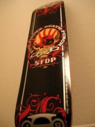 photo-FiveFingerDeathPunch-futbolki-merchandise-2012