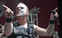 photos-group-Five-Finger-Death-Punch-Ivan-Moody-Hammerfest-2010