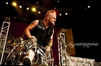 pictures-band-Five-Finger-Death-Punch-Matt-Snell-Mayhem-Festival-2010