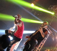 photo-metal-band-FiveFingerDeathPunch-Chris-Kael-Compuware-Arena-2011