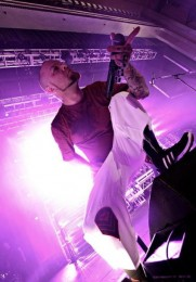 foto-performing-group-Five-Finger-Death-Punch-Menace-concerts-2012