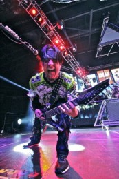 fotografii-Chris-Kael-FiveFingerDeathPunch-The-Pride-USA-concerts-2012