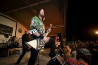 photo-Chris-Kael-Five-Finger-Death-Punch-concert-in-Kuwait-2012