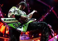 photo-Ivan-Moody-FiveFingerDeathPunch-Salvation-USA-concerts-2012