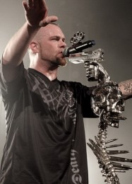 photograph-Kael-Five-Finger-Death-Punch-Beaumont-USA-festival-2012