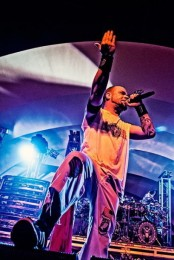 pictures-Chris-Kael-FiveFingerDeathPunch-If-I-Fall-Metal-fest-2012