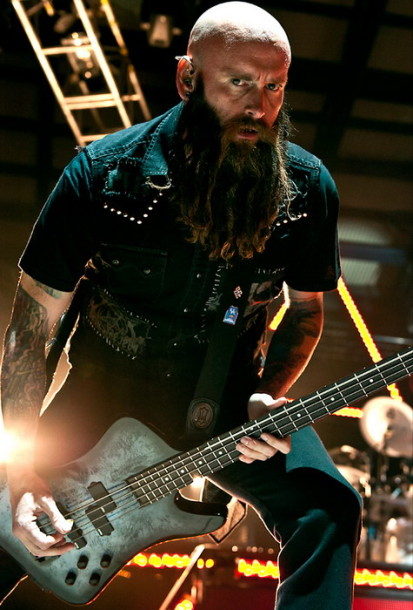 photos-Chris-Kael-new-member-Five-Finger-Death-Punch-If-I-Fall-2011